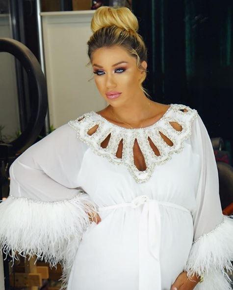 Nuk do e njihni Adelina Tahirin në fotot e fundit