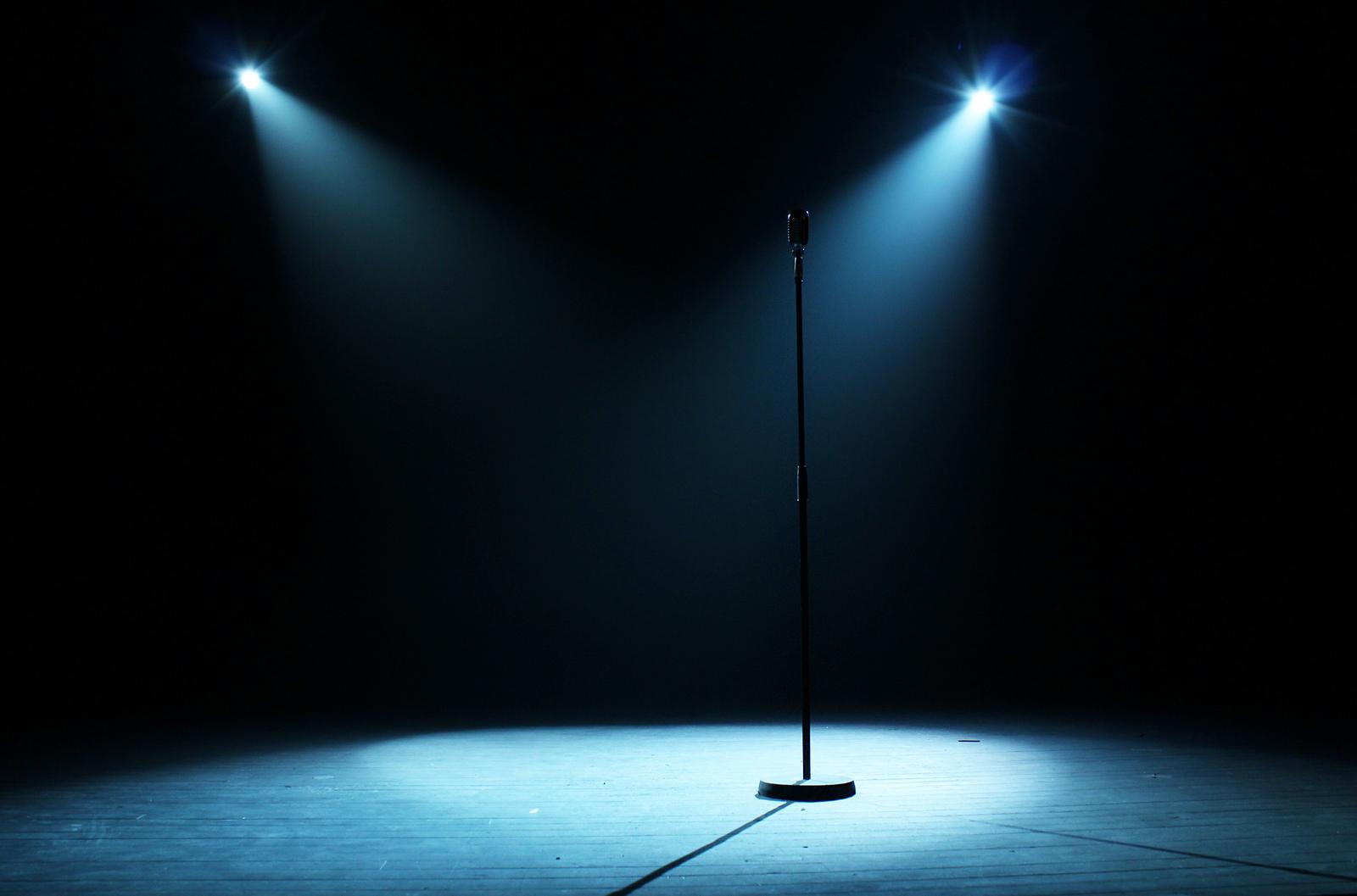 Po i rikthehet skenës këngëtarja e njohur kosovare