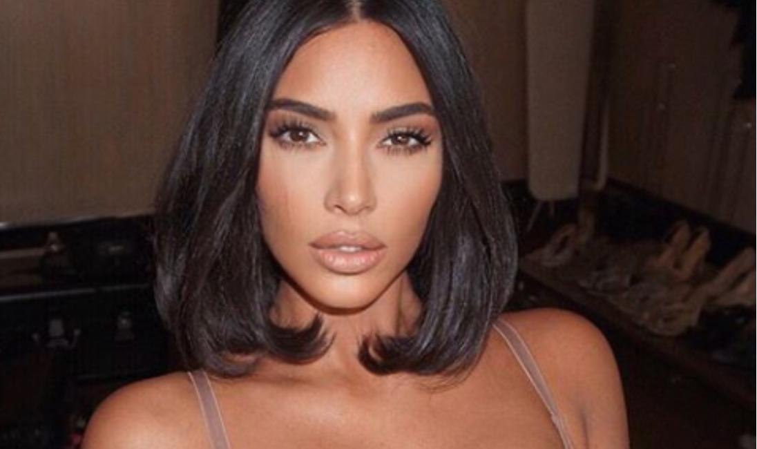 si-rralle-here-kim-kardashian-del-pa-make-up-ne-publik-dhe-po-paska-akne